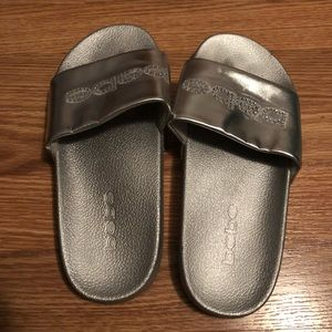 Bebe slides. Silver. Size 8.